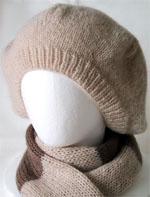 Модный вязаный берет.  Описание работы: для шарфа шириной 26 см.